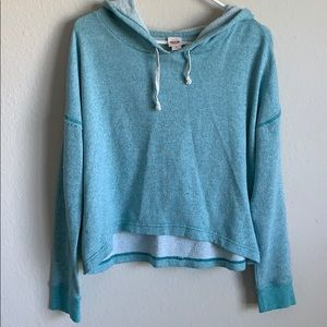 Cute and light weight long sleeve slightly worn!